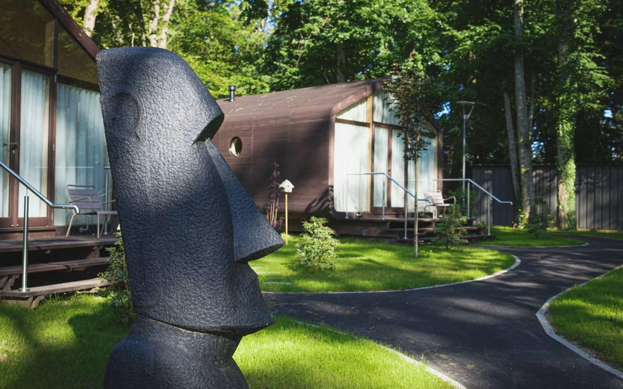 Statue unusual accommodation metz