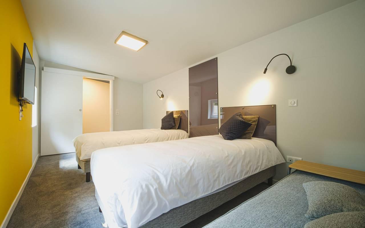Spacious room metz accommodation