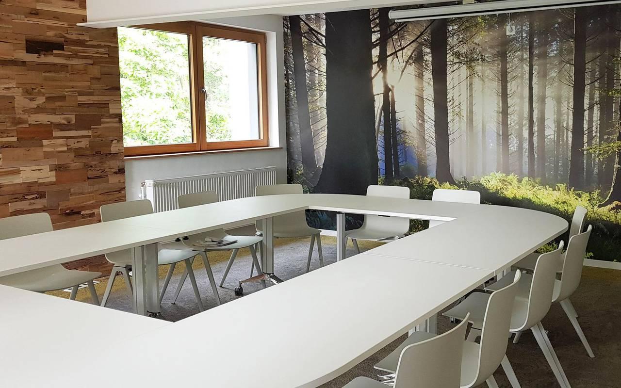 tables for team building meetings metz