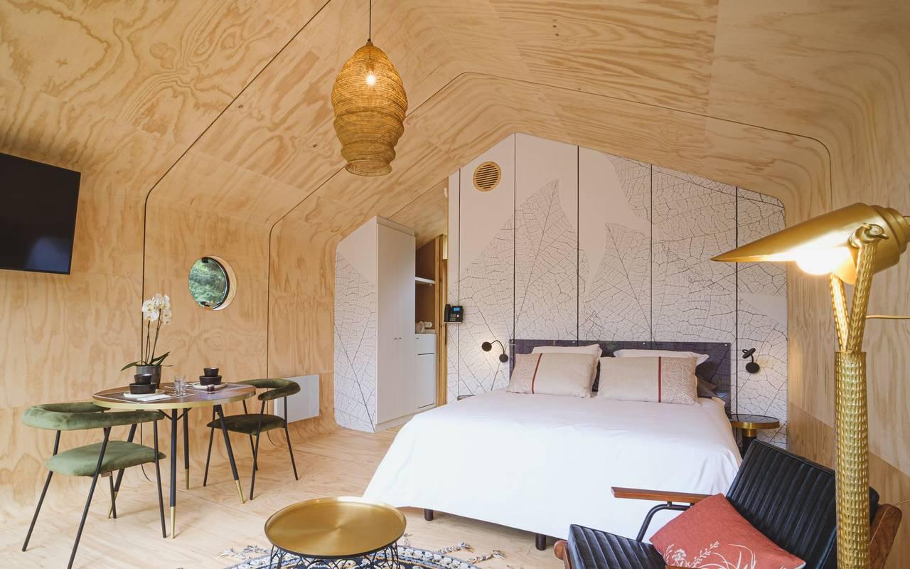 Chambre avec grand lit sejour metz