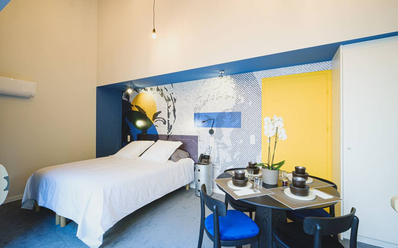 Chambre moderne logement insolite moselle